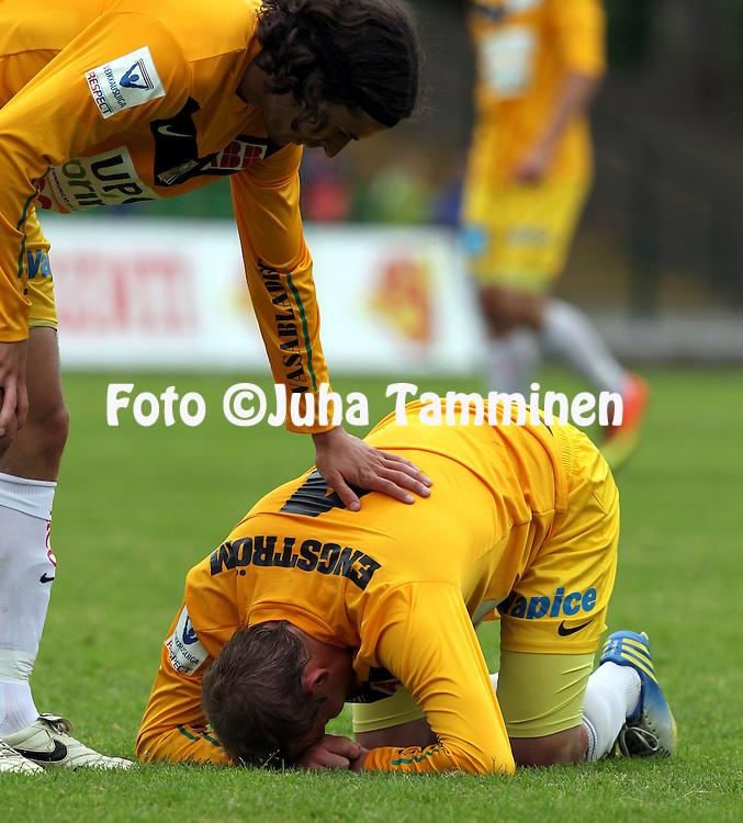 13.6.2013, Kisapuisto, Lahti.<br /> Veikkausliiga 2013.<br /> FC Lahti - Vaasan Palloseura.<br /> Jesper Engstr&ouml;m &amp; Tony Bj&ouml;rk - VPS
