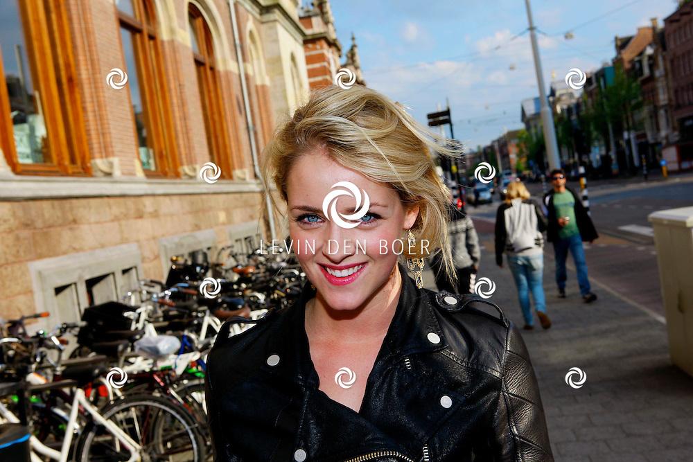 AMSTERDAM - In het Conservatorium Hotel vierde Leco Zadelhoff zijn 45ste verjaardag. Met op de foto  Lisa Zips. FOTO LEVIN DEN BOER  - PERSFOTO.NU