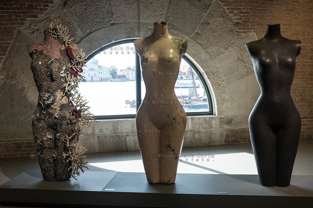 "Venezia - Punta della Dogana . La mostra di Damien Hirst: ""Tresaures from the Wreck of Unbelievable. ""Grecian Nude""."
