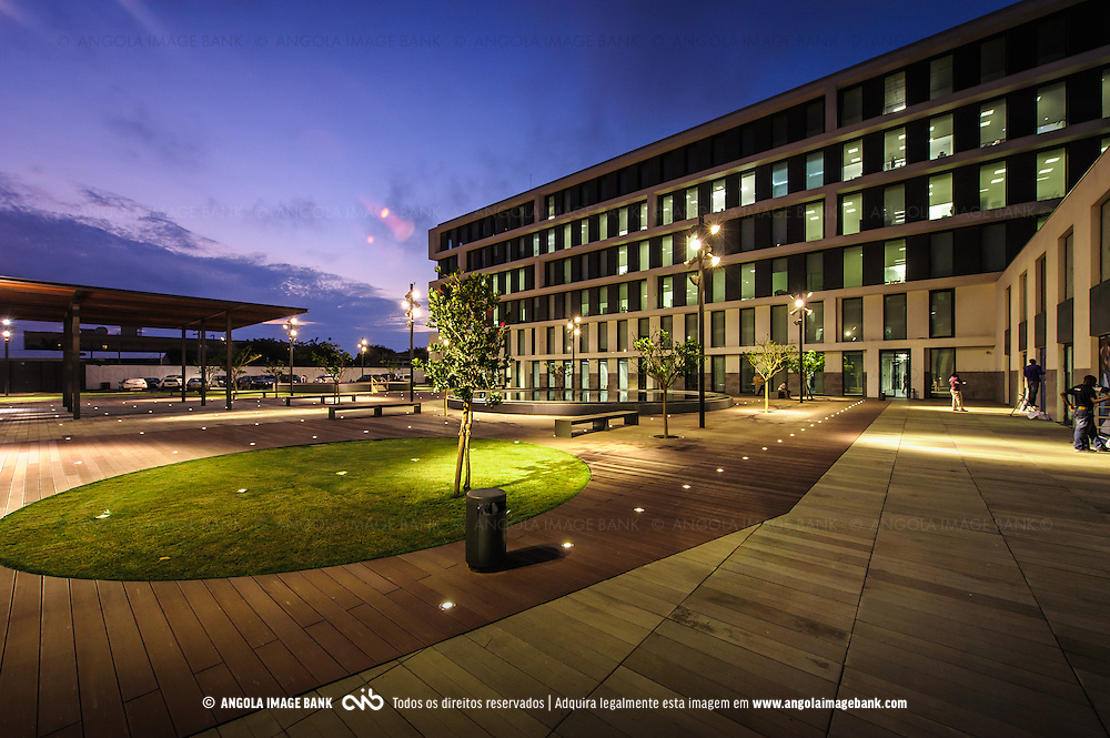 A Academia BAI em Talatona, Luanda Sul, construida pela GRINER. Província de Luanda, Angola.