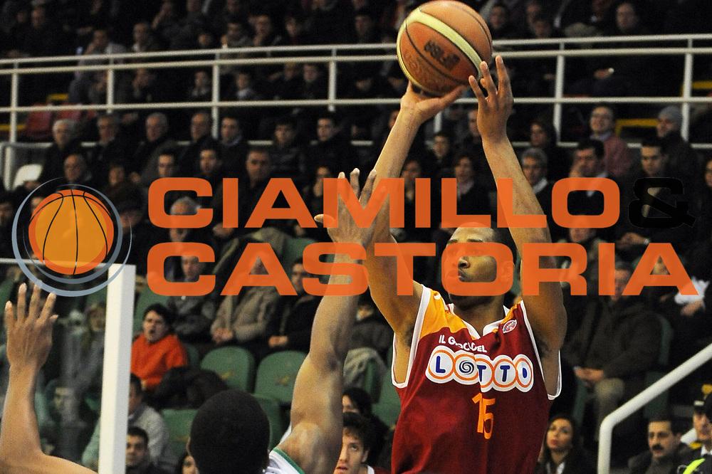 DESCRIZIONE : Avellino Lega A 2009-10 Air Avellino Lottomatica Virtus Roma<br /> GIOCATORE : Kennedy Winston<br /> SQUADRA : Lottomatica Virtus Roma<br /> EVENTO : Campionato Lega A 2009-2010 <br /> GARA : Air Avellino Lottomatica Virtus Roma<br /> DATA : 14/02/2010<br /> CATEGORIA : Tiro <br /> SPORT : Pallacanestro <br /> AUTORE : Agenzia Ciamillo-Castoria/GiulioCiamillo<br /> Galleria : Lega Basket A 2009-2010 <br /> Fotonotizia : Avellino Campionato Italiano Lega A 2009-2010 Air Avellino Lottomatica Virtus Roma<br /> Predefinita :