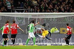 03.12.2011,Volkswagen Arena, Wolfsburg, GER, 1.FBL, VFL Wolfsburg vs 1. FSV Mainz 05, im Bild Alexander Madlung (Wolfsburg #17) trifft zum 2 zu 0 // during the match from GER, 1.FBL,VFL Wolfsburg vs 1. FSV Mainz 05 on 2011/12/03, Volkswagen Arena, Wolfsburg, Germany..EXPA Pictures © 2011, PhotoCredit: EXPA/ nph/ Schrader..***** ATTENTION - OUT OF GER, CRO *****