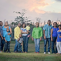 OUTDOOR PORTRAITS - FAMILY