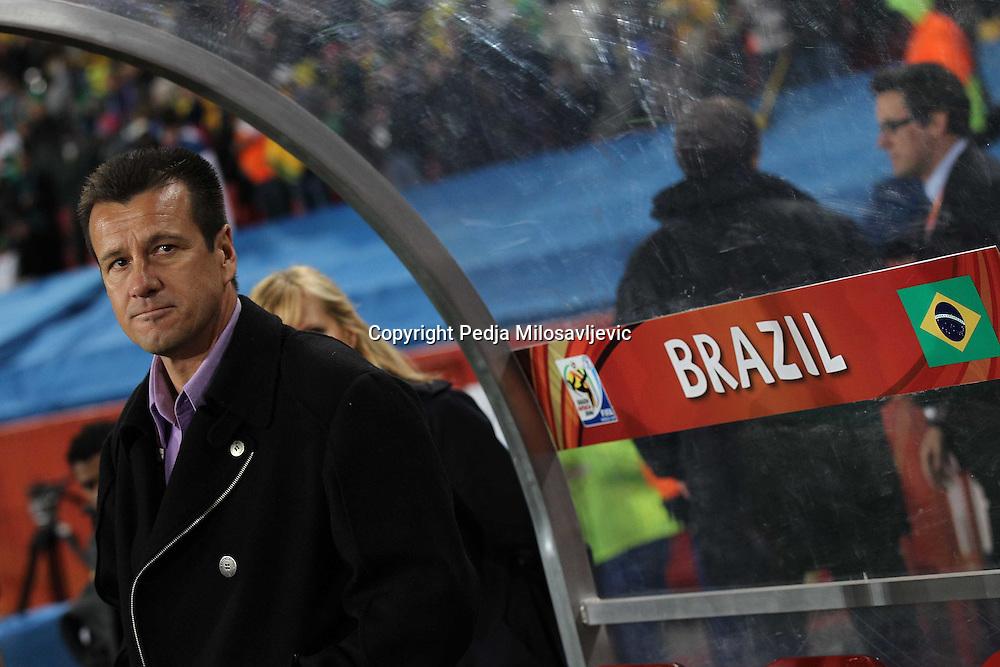 &copy;Jonathan Moscrop - LaPresse<br /> 28 06 2010 Johannesburg ( Sud Africa )<br /> Sport Calcio<br /> Brasile vs Cile - Mondiali di calcio Sud Africa 2010 Ottavi di finale - Ellis Park Stadium<br /> Nella foto: l'allenatore del Brasile Dunga<br /> <br /> &copy;Jonathan Moscrop - LaPresse<br /> 28 06 2010 Johannesburg ( South Africa )<br /> Sport Soccer<br /> Brazil versus Chile - FIFA 2010 World Cup South Africa Round of sixteen  - Ellis Park Stadium<br /> In the Photo: Brazil's coach Dunga