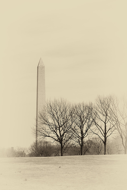 Low contrast monochrome of Washington Monument.