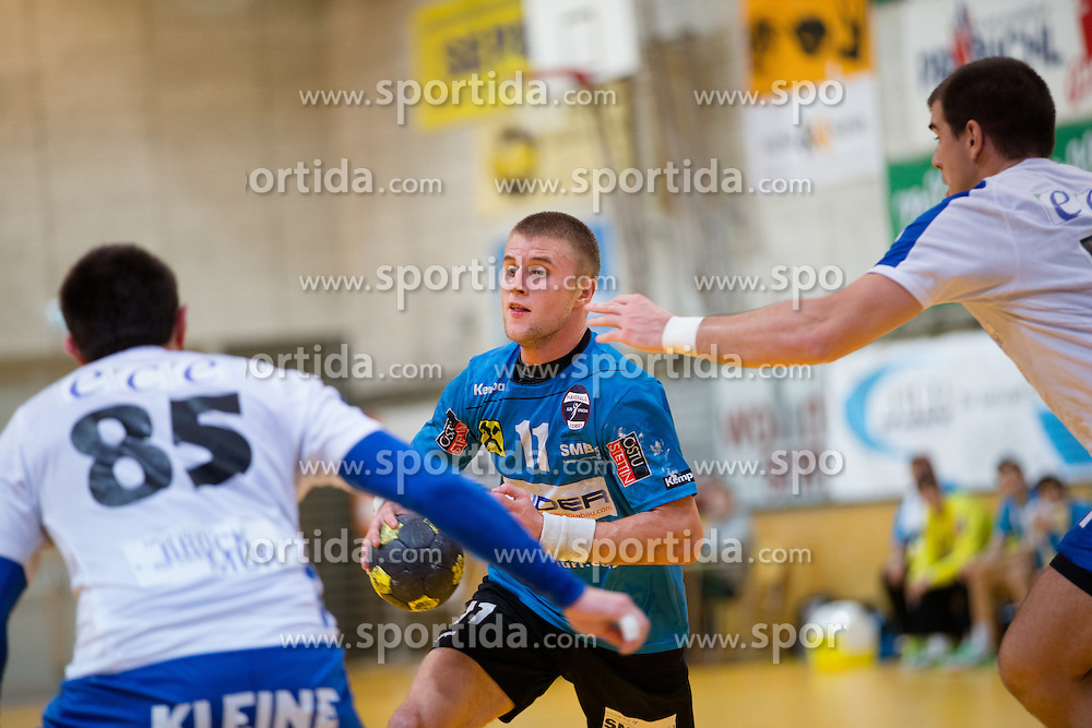 16.10.2015, Sporthalle Leoben-Donawitz, Leoben, AUT, HLA, Union Juri Leoben vs HC ece Bulls Bruck, 8. Runde, im Bild v.l.: Gerald Marko (Bruck), Benas Petreikis (Leoben), Ivan Dimitrijevic (Bruck) // during the Handball League Austria 8th round match between Union Juri Leoben and HC ece Bulls Bruck at the sport Hall, Leoben, Austria on 2015/10/16, EXPA Pictures © 2015, PhotoCredit: EXPA/ Dominik Angerer