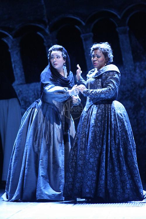 Seattle Opera: Il Trovatore dress rehersal Jan 2010.