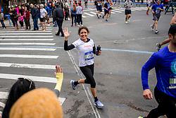 05-11-2017 USA: NYC Marathon We Run 2 Change Diabetes day 3, New York<br /> De dag van de marathon, 42 km en 195 meter door de straten van Staten Island, Brooklyn, Queens, The Bronx en Manhattan / Judith