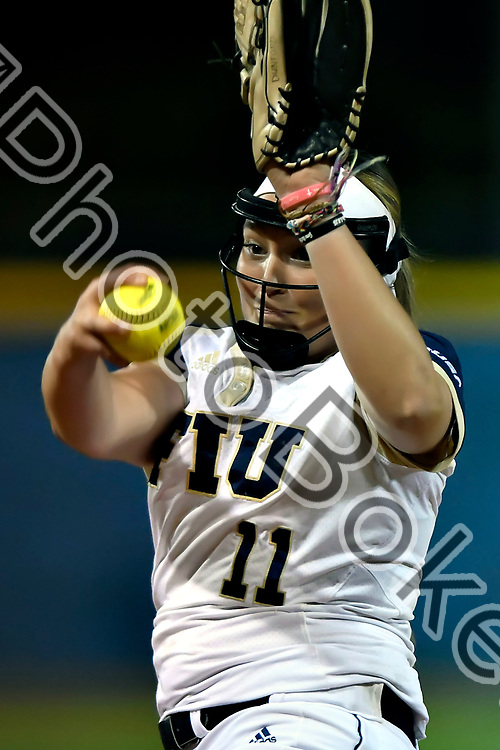 2018 February 09 - FIU's Kendahl Dunford (11). Florida International University softball fell to Hofstra, 5-0, at Felsberg Field, Miami, Florida. (Photo by: Alex J. Hernandez / photobokeh.com) This image is copyright by PhotoBokeh.com and may not be reproduced or retransmitted without express written consent of PhotoBokeh.com. ©2018 PhotoBokeh.com - All Rights Reserved