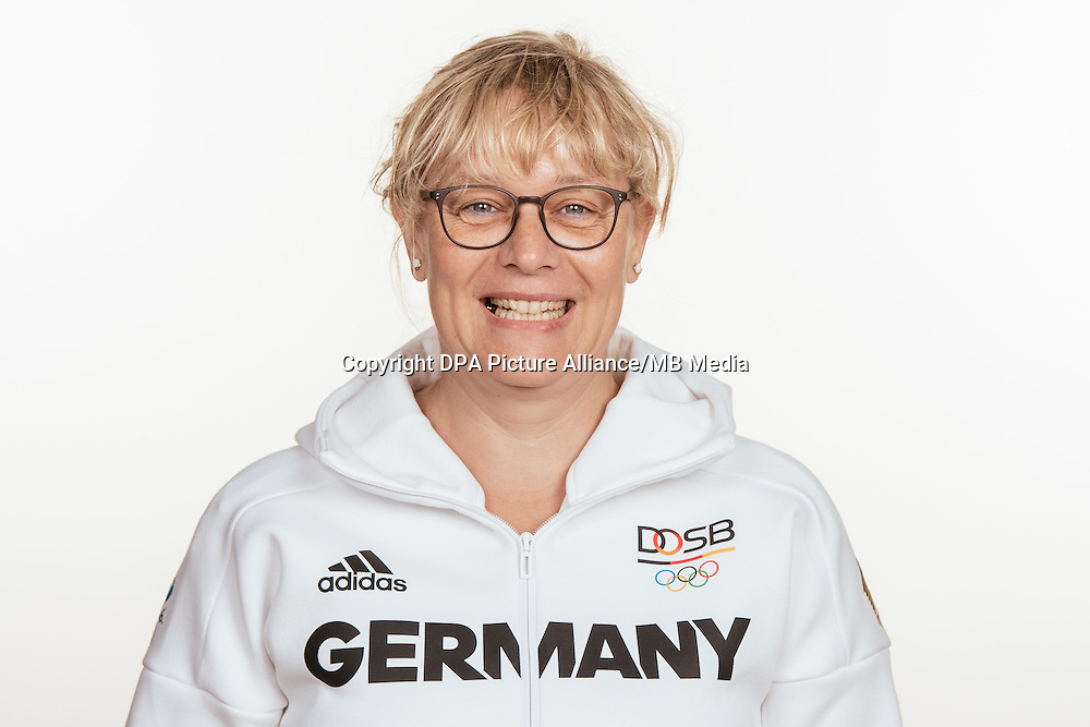 Anke Budow poses at a photocall during the preparations for the Olympic Games in Rio at the Emmich Cambrai Barracks in Hanover, Germany, taken on 12/07/16 | usage worldwide