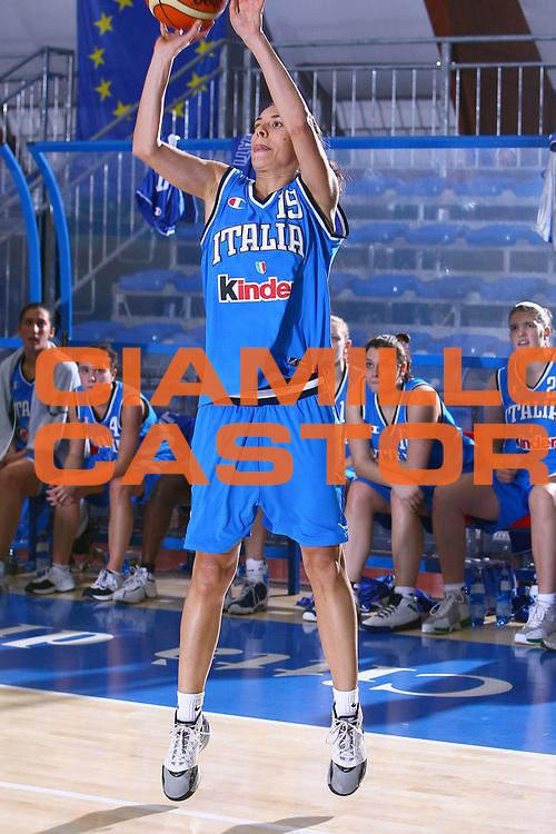 DESCRIZIONE : Pomezia Torneo Internazionale Basket Femminile Nazionale Italia Donne Under 20 Nazionale Italia Donne Under 18<br /> GIOCATORE : Bestagno<br /> SQUADRA : Italia Under 18<br /> EVENTO :  Pomezia Torneo Internazionale Basket Femminile Nazionale Italia Donne Under 20 Nazionale Italia Donne Under 18<br /> GARA : Italia Under 20 Italia Under 18<br /> DATA : 29/12/2006<br /> CATEGORIA : Tiro<br /> SPORT : Pallacanestro<br /> AUTORE : Agenzia Ciamillo-Castoria/E.Castoria