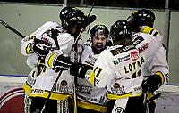 Ishockey<br /> 4. semifinale i NM<br /> Lørenskog Ishall 22.03.10<br /> Lørenskog - Stavanger Oilers<br /> Teemu Virtala feireer sitt mål<br /> <br /> Foto: Eirik Førde