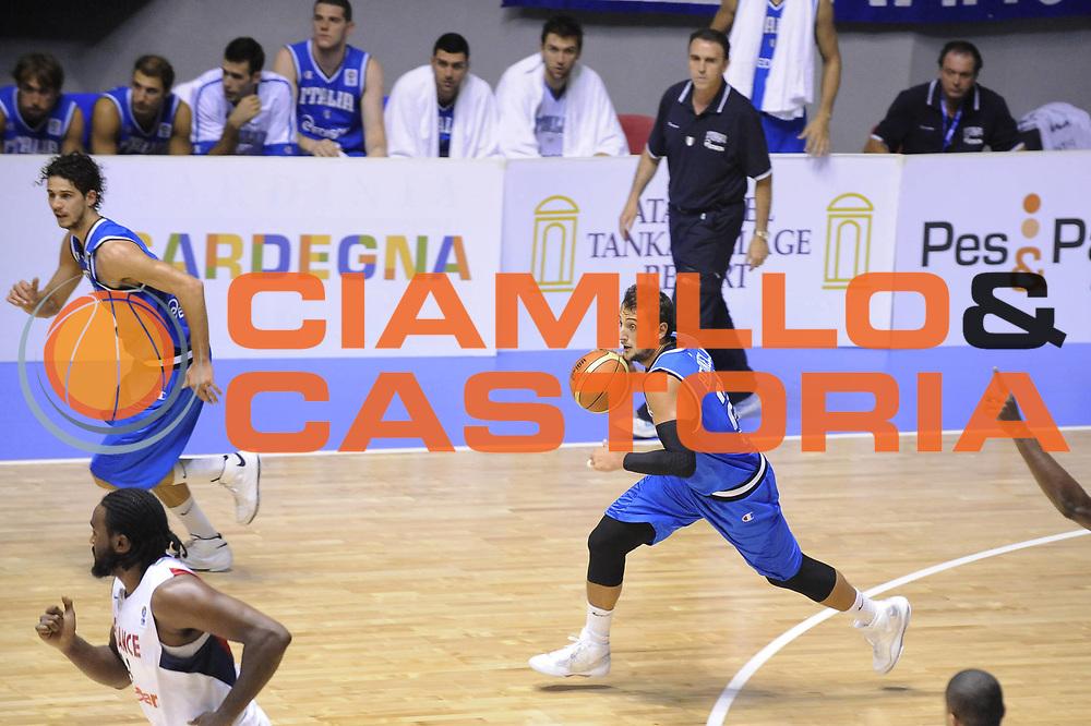 DESCRIZIONE : Cagliari Eurobasket Men 2009 Additional Qualifying Round Italia Francia<br />GIOCATORE : Marco Belinelli <br />SQUADRA : Italia Italy Nazionale Italiana Maschile<br />EVENTO : Eurobasket Men 2009 Additional Qualifying Round <br />GARA : Italia Francia Italy France<br />DATA : 05/08/2009 <br />CATEGORIA : palleggio<br />SPORT : Pallacanestro <br />AUTORE : Agenzia Ciamillo-Castoria/G.Ciamillo