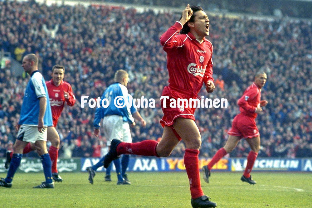 18.2.2001, Anfield Road, Liverpool, England. <br /> FA Cup, 5th round match, Liverpool FC v Manchester City FC. <br /> Jari Litmanen celebrates after scoring a penalty for Liverpool.