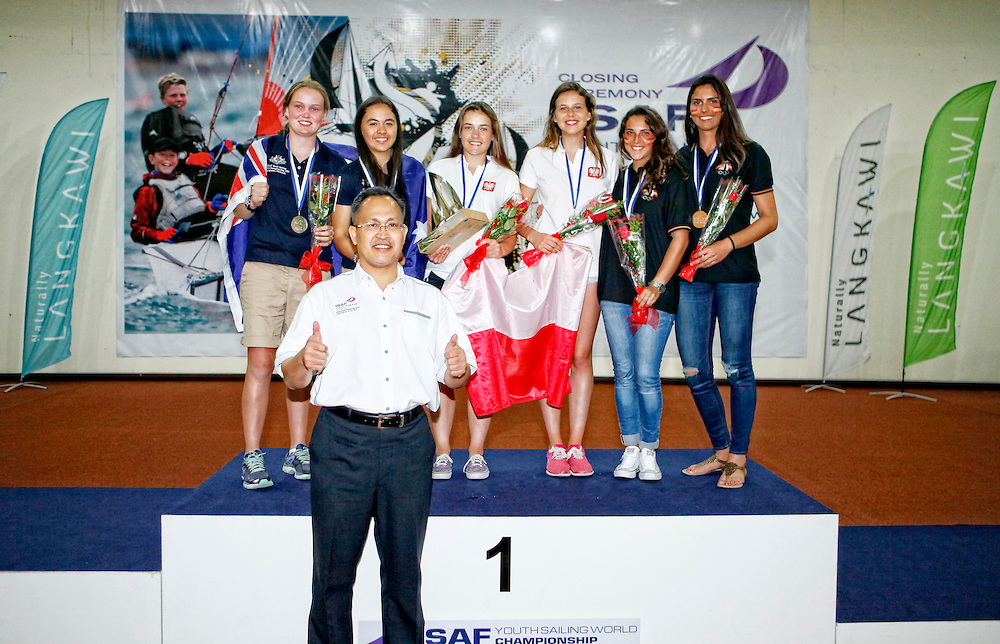 420 Girls<br />Gold &ndash; Julia Szmit and Hanna Dzik (POL)<br />Silver &ndash; Nia Jerwood and Lisa Smith (AUS)<br />Bronze &ndash; Maria Caba and Carla Diaz (ESP)<br /> Closing Ceremony, 2015 Youth Sailing World Championships,<br />Langkawi, Malaysia