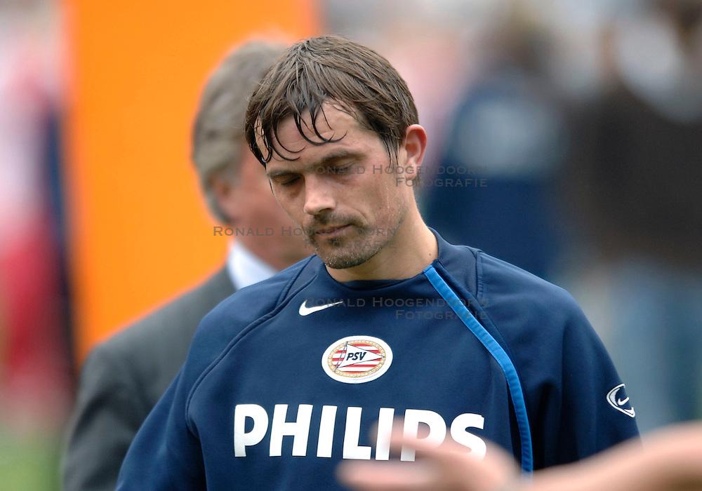 07-05-2006 VOETBAL: FINALE GATORADE CUP: AJAX - PSV: ROTTERDAM<br /> <br /> &copy;2006-WWW.FOTOHOOGENDOORN.NL