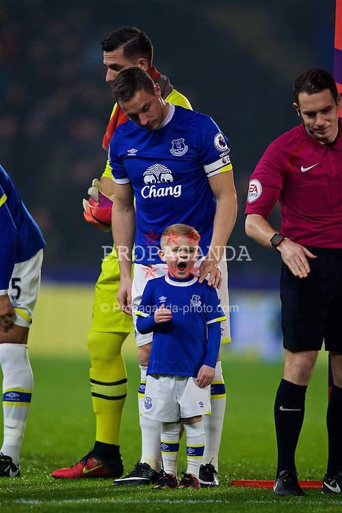 KINGSTON-UPON-HULL, ENGLAND - Friday, December 30, 2016: The late evening kick-off time is too much for the Everton mascot who yawns as he waits to shake hands with the Hull City players before the FA Premier League match at the KCOM Stadium. (Pic by David Rawcliffe/Propaganda)