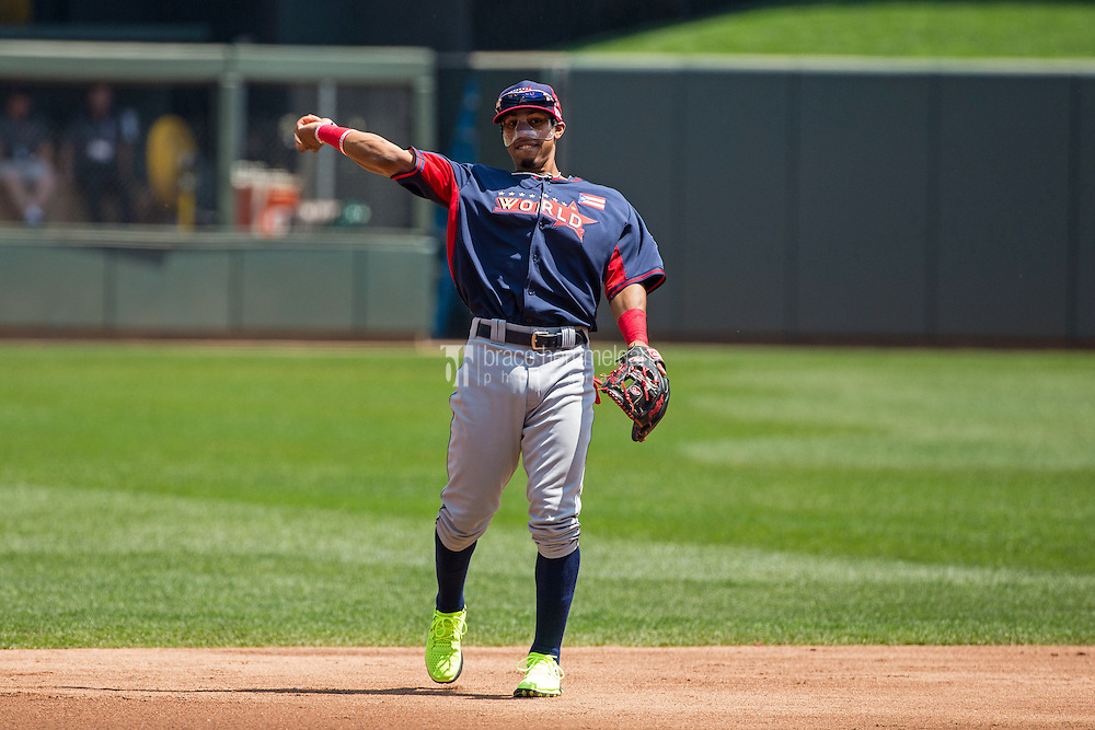 MINNEAPOLIS, MN- JULY 13: Francisco Lindor #12 of the World Team during the SiriusXM All-Star Futures Game at Target Field on July 13, 2014 in Minneapolis, Minnesota. (Photo by Brace Hemmelgarn) *** Local Caption *** Francisco Lindor