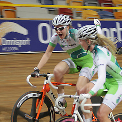 Nina Kessler deelt vreuge met ploegmaatje Winanda Spoor