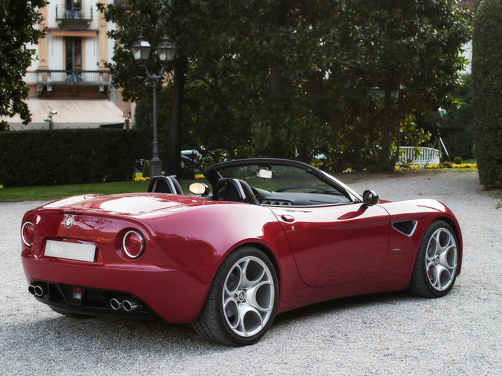 Alfa Romeo 8C Spider Concept by Centro Stile