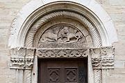 Kirche St. Peter, romanisches Portal, Straubing, Donau, Bayerischer Wald, Bayern, Deutschland | St. Peter church, romanic gate, Straubing, Danube, Bavarian Forest, Bavaria, Germany
