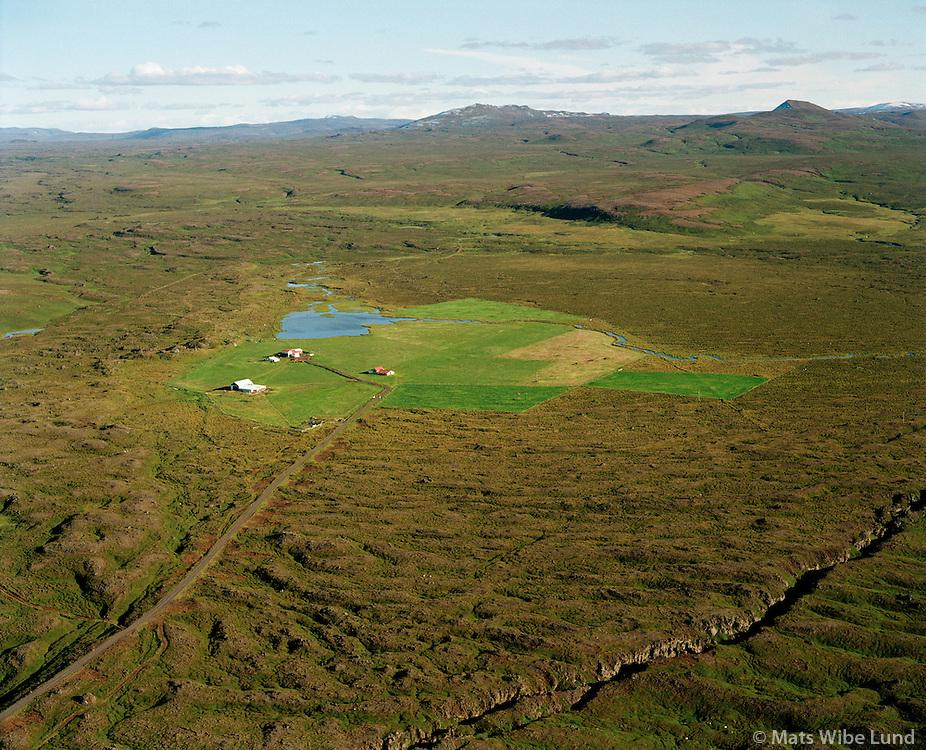 Efri-Hólar séð til suðausturs, Norðurþing áður Presthólahreppur /.Efri-Holar viewing southeast, Nordurthing former Prestholahreppur