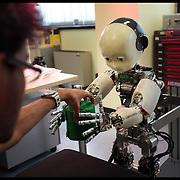 """Istituto Italiano di Tecnologia di Genova,.. nella foto il Dipartimento di Robotica - Laboratorio di Robotica Umanoide,..è il laboratorio dove il robot """"cresce e impara"""". Sono realizzati tutti gli studi sull'apprendimento del Robot"""