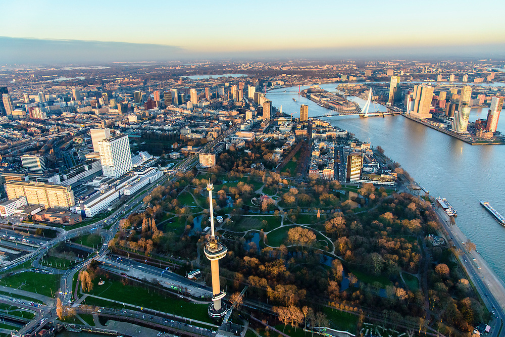 Nederland, Zuid-Holland, Rotterdam, 07-02-2018; centrum Rotterdam met Erasmus MC en Euromast in Het Park, Nieuwe Maas met zicht op Kop van Zuid, Noordereiland, Erasmusbrug.<br /> City centre Rotterdam with Euromast and river Nieuwe Maas (New Meuse).<br /> <br /> luchtfoto (toeslag op standard tarieven);<br /> aerial photo (additional fee required);<br /> copyright foto/photo Siebe Swart
