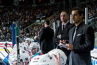 KELOWNA, CANADA - JANUARY 7: Kelowna Rockets' head coach, Jason Smith and assistant coach Travis Crickard stand on the bench against the Kamloops Blazers on January 7, 2017 at Prospera Place in Kelowna, British Columbia, Canada.  (Photo by Marissa Baecker/Shoot the Breeze)  *** Local Caption ***