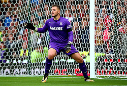 Jack Butland of Stoke City - Mandatory by-line: Robbie Stephenson/JMP - 19/08/2017 - FOOTBALL - Bet365 Stadium - Stoke-on-Trent, England - Stoke City v Arsenal - Premier League