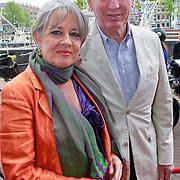 NLD/Amsterdam/20110731 - Premiere circus Hurricane met Hans Klok, Fred Oster en partner Jennifer