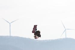 19.02.2018, Alpensia Ski Jumping Centre, Pyeongchang, KOR, PyeongChang 2018, Snowboard, Damen, Big Air, im Bild v.l. Mama Anna Gasser (AUT) // Anna Gasser of Austria during the Ladies Snowboard Big Air of the Pyeongchang 2018 Winter Olympic Games at the Alpensia Ski Jumping Centre in Pyeongchang, South Korea on 2018/02/19. EXPA Pictures © 2018, PhotoCredit: EXPA/ Johann Groder