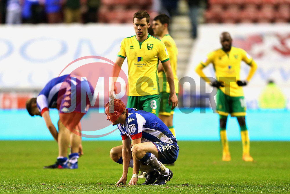 Wigan Athletic and Norwich City players look dejected at full time - Mandatory by-line: Matt McNulty/JMP - 07/02/2017 - FOOTBALL - DW Stadium - Wigan, England - Wigan Athletic v Norwich City - Sky Bet Championship
