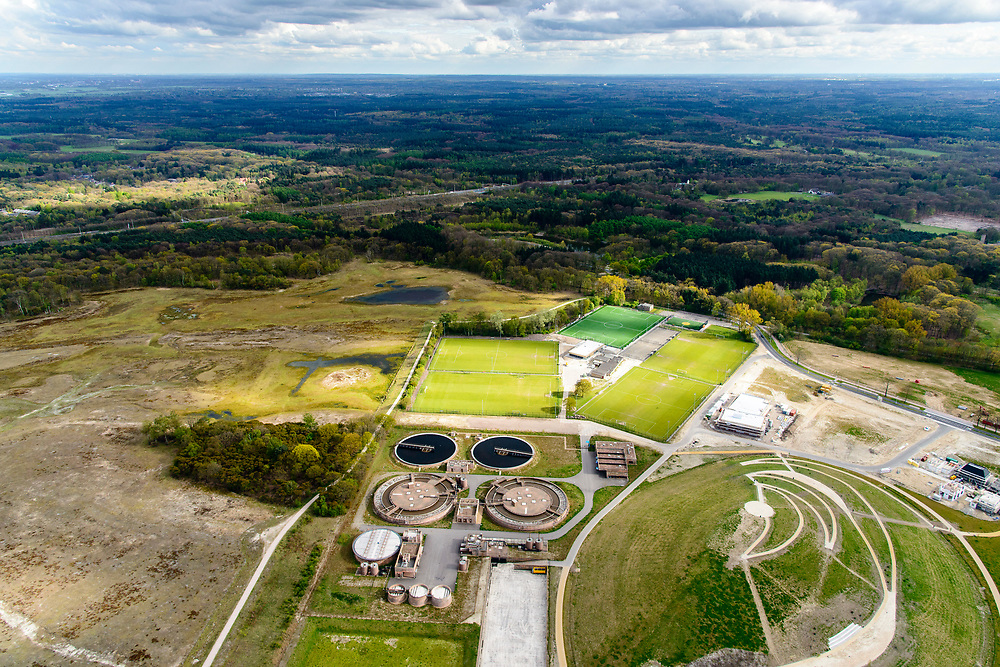 Nederland, Noord-Holland, Hilversum, 28-04-2017; de nieuwe RWZI - rioolwaterzuiveringsinstallatie, grenzend aan het Goois Natuurreservaat.<br /> The new RWZI sewage treatment plant, adjacent the Goois Nature Reserve.<br /> <br /> luchtfoto (toeslag op standard tarieven);<br /> aerial photo (additional fee required);<br /> copyright foto/photo Siebe Swart