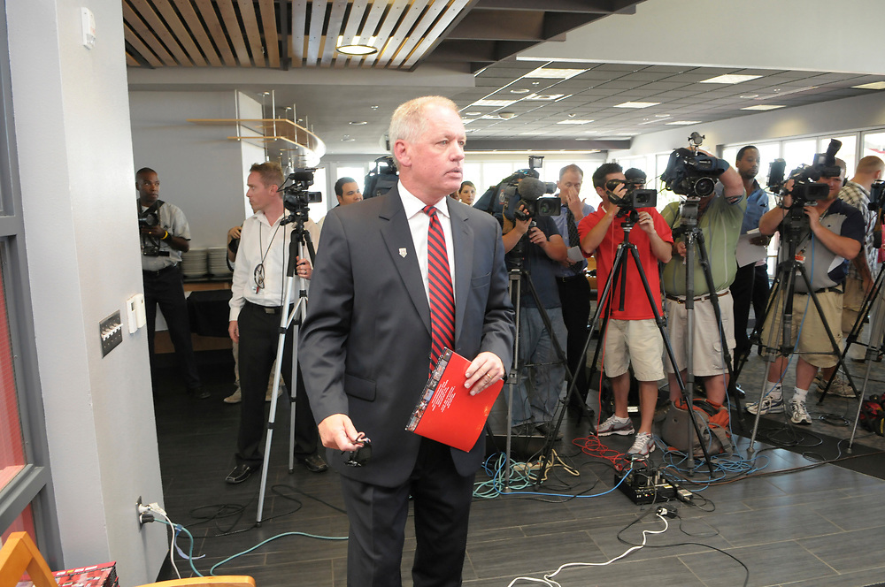UNM Athletic Director Paul Krebs (CQ), attends a news conference Monday Sept. 26, 2011.  (Pat Vasquez-Cunningham/Journal)