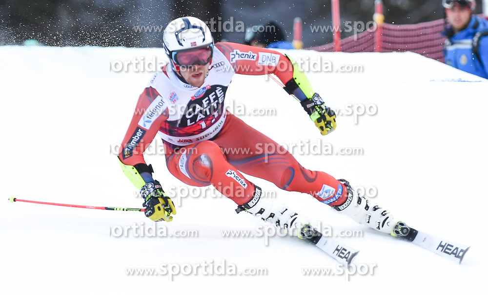17.12.2017, Grand Risa, La Villa, ITA, FIS Weltcup Ski Alpin, Alta Badia, Riesenslalom, Herren, 1. Lauf, im Bild Aleksander Aamodt Kilde (NOR) // Aleksander Aamodt Kilde of Norway in action during his 1st run of men's Giant Slalom of FIS ski alpine world cup at the Grand Risa in La Villa, Italy on 2017/12/17. EXPA Pictures © 2017, PhotoCredit: EXPA/ Erich Spiess