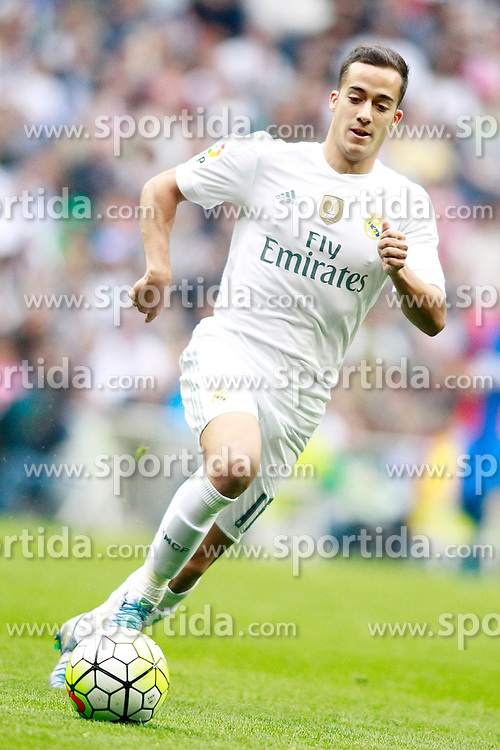 17.10.2015, Estadio Santiago Bernabeu, Madrid, ESP, Primera Division, Real Madrid vs Levante UD, 8. Runde, im Bild Real Madrid's Lucas Vazquez // during the Spanish Primera Division 8th round match between Real Madrid and Levante UD at the Estadio Santiago Bernabeu in Madrid, Spain on 2015/10/17. EXPA Pictures &copy; 2015, PhotoCredit: EXPA/ Alterphotos/ Acero<br /> <br /> *****ATTENTION - OUT of ESP, SUI*****