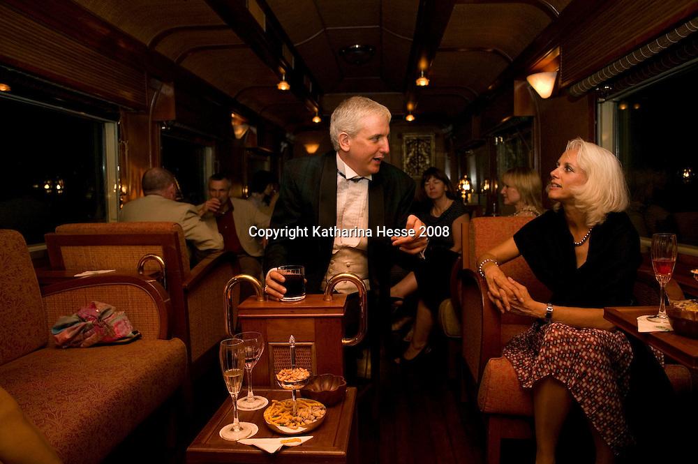 ORIENTAL EXPRESS, JUNE-16 :Abendgesellschaft im Oriental Express.
