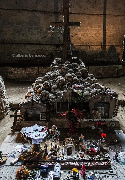 Naples, Rione Sanità. Fontanelle cemetery