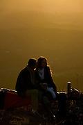 Brumadinho_MG, Brasil...Casal na Serra da Moeda em Brumadinho. Esse lugar faz parte da Estrada Real...A couple in Serra da Moeda in Brumadinho. This place is in Estrada Real (Real Road)...Foto: BRUNO MAGALHAES /  NITRO