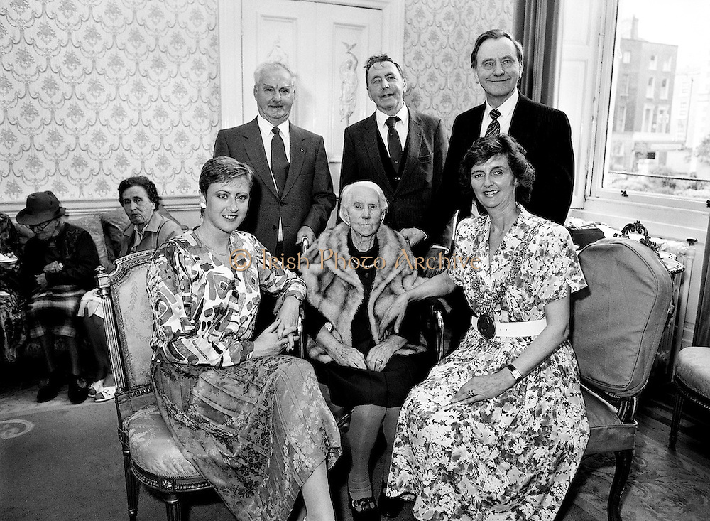Carmencita Hederman, Lord Mayor of Dublin, holds a function for centenarians and their families in the Mansion House, Dawson Street, Dublin.<br />