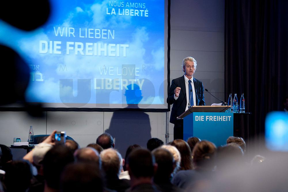 """02 OCT 2010, BERLIN/GERMANY:<br /> Geert Wilders, Vorsitzender Partij voor de Vrijheid Niederlande, haelt eine Rede, Veranstaltung """"Islam und Integration"""", Hotel Berlin<br /> IMAGE: 20101002-01-038"""