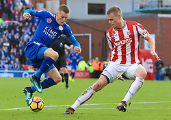 Jamie Vardy of Leicester City tries to escape the attention of Ryan Shawcross of Stoke City - Mandatory by-line: Paul Roberts/JMP - 04/11/2017 - FOOTBALL - Bet365 Stadium - Stoke-on-Trent, England - Stoke City v Leicester City - Premier League
