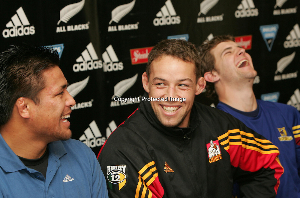 Jono Gibbes and Kevin Mealamu at the Possibles Press Conference on Tuesday 1 June 2004, in Auckland, New Zealand. The Probables beat the Possibles 29-27<br />Andrew Cornaga/PHOTOSPORT