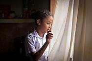Dianny Sanabria tiene 9 años y vive en el Barrio Union de Petare. Gracias a FundaHigado y a su madre, Daisy Morales se le practicó un trasplante de higado. Caracas, 30 Nov. 2011 (Foto/ivan gonzalez)