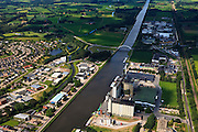 Nederland, Gelderland, Lochem, 30-06-2011; De silo's ForFarmers B.V, mengvoeder veevoeder aan het Twentekanaal. View on the silos of the fodder producer ForFarmers..luchtfoto (toeslag), aerial photo (additional fee required).copyright foto/photo Siebe Swart