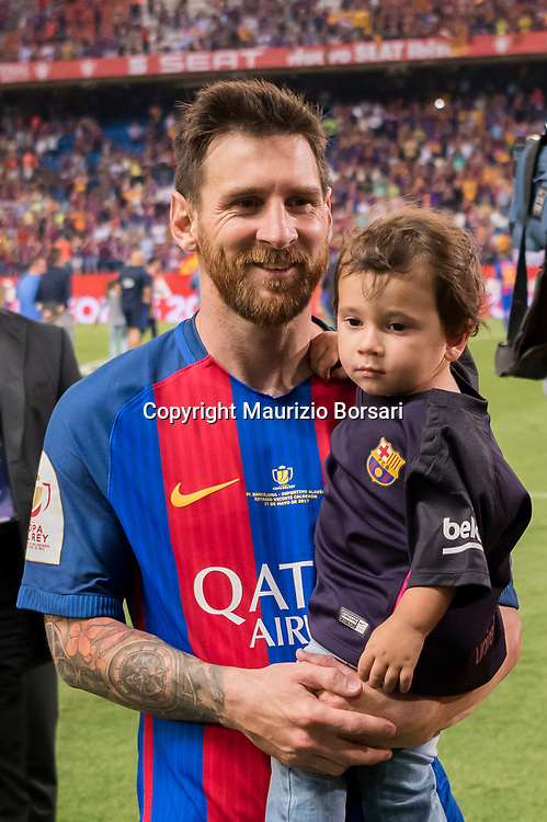 Lionel Messi (Barcelona), MAY 27, 2017 - Football / Soccer : Lionel Messi of Barcelona celebrates with his son Mateo after winning the Copa del Rey Final match between FC Barcelona 3-1 Deportivo Alaves at Estadio Vicente Calderon in Madrid, Spain. (Photo by Maurizio Borsari/AFLO)