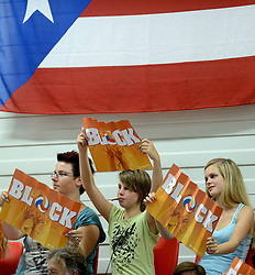 08-08-2014 NED: FIVB Grand Prix Nederland - Puerto Rico, Doetinchem<br /> Topsporthal Achterhoek goed gevuld, Oranje support publiek