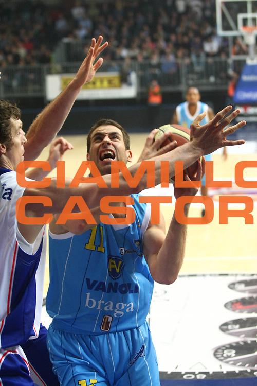 DESCRIZIONE  Cantu  Lega A 2010-11 Bennet Cantu Vanoli Braga Cremona <br /> <br /> GIOCATORE :  Jasmin Perkovic<br /> <br /> SQUADRA : Vanoli Braga Cremona<br /> <br /> EVENTO : :  Campionato Lega A 2010-11<br /> <br /> GARA : Bennet Cantu Vanoli Braga Cremona <br /> <br /> DATA : 24/10/2010<br /> <br /> CATEGORIA : Tiro<br /> <br /> SPORT : Pallacanestro<br /> <br /> AUTORE : Agenzia Ciamillo-Castoria/F.Zovadelli<br /> <br /> GALLERIA : Lega Basket A 2010-11<br /> <br /> FOTONOTIZIA : Cantu Campionato Italiano  Lega A 2010-11 Bennet Cantu Vanoli Braga Cremona