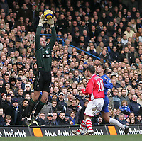Photo: Lee Earle.<br /> Chelsea v Charlton Athletic. The Barclays Premiership. 22/01/2006. Charlton keeper Thomas Myhre makes a save.